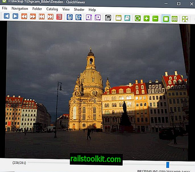 QuickViewer è un visualizzatore di immagini Windows ultraveloce